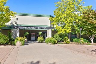 """Photo 18: 202 19241 FORD Road in Pitt Meadows: Central Meadows Condo for sale in """"VILLAGE GREEN"""" : MLS®# R2504429"""