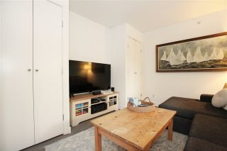 """Photo 7: 1106 1055 HOMER Street in Vancouver: Yaletown Condo for sale in """"DOMUS"""" (Vancouver West)  : MLS®# R2518319"""