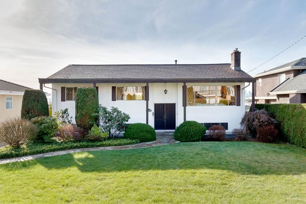 Main Photo: 6170 WINCH Street in Burnaby: Parkcrest House for sale (Burnaby North)  : MLS®# R2439181