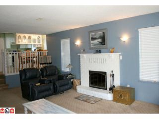 Photo 5: 19044 60B Avenue in Surrey: Cloverdale BC House for sale (Cloverdale)  : MLS®# F1105482