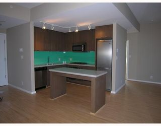 "Photo 2: 401 531 BEATTY Street in Vancouver: Downtown VW Condo for sale in ""531 BEATTY"" (Vancouver West)  : MLS®# V667517"