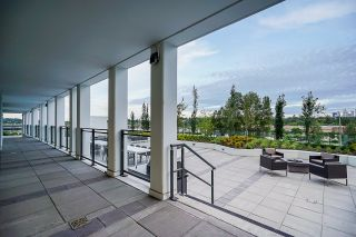 """Photo 34: 2368 ALPHA Avenue in Burnaby: Brentwood Park Townhouse for sale in """"Milano- Brentwood Park"""" (Burnaby North)  : MLS®# R2378825"""