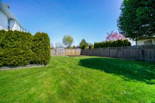 """Photo 19: 6080 185B Street in Surrey: Cloverdale BC House for sale in """"Eagle Crest"""" (Cloverdale)  : MLS®# R2260925"""
