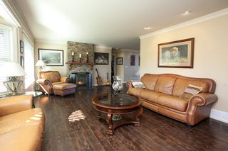 """Photo 3: 23737 46B Avenue in Langley: Salmon River House for sale in """"Strawberry Hills"""" : MLS®# R2048347"""