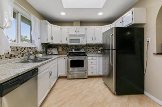 Photo 1: 2908 84 Street in Edmonton: Zone 29 House for sale : MLS®# E4249144