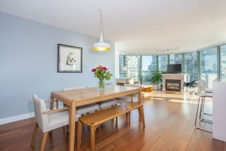 """Photo 4: 801 1088 QUEBEC Street in Vancouver: Mount Pleasant VE Condo for sale in """"The Viceroy"""" (Vancouver East)  : MLS®# R2206969"""