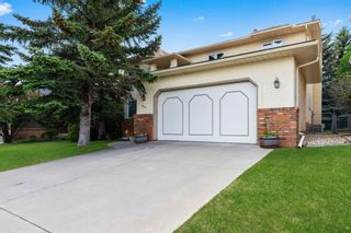 Photo 2: 927 Shawnee Drive SW in Calgary: Shawnee Slopes Detached for sale : MLS®# A1123376