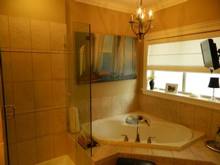 "Photo 12: 35814 TREETOP Drive in Abbotsford: Abbotsford East House for sale in ""The Highlands"" : MLS®# R2110893"