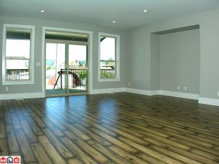 Photo 3: 34633 4TH Avenue in Abbotsford: Abbotsford East House for sale