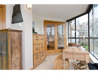 """Photo 36: 202 1490 PENNYFARTHING Drive in Vancouver: False Creek Condo for sale in """"HARBOUR COVE"""" (Vancouver West)  : MLS®# V977927"""