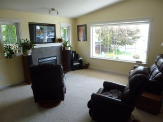 """Photo 5: 5744 EMILY Way in Sechelt: Sechelt District House for sale in """"CASCADE HEIGHTS"""" (Sunshine Coast)  : MLS®# R2400913"""