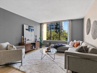 """Photo 11: 204 1860 ROBSON Street in Vancouver: West End VW Condo for sale in """"Stanley Park Place"""" (Vancouver West)  : MLS®# R2619099"""