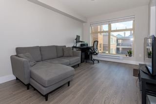 "Photo 3: 302 2408 E BROADWAY in Vancouver: Renfrew Heights Condo for sale in ""BROADWAY CROSSING"" (Vancouver East)  : MLS®# R2413516"