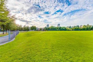 """Photo 20: 401 675 PARK Crescent in New Westminster: GlenBrooke North Condo for sale in """"WINCHESTER"""" : MLS®# R2304752"""