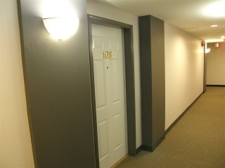 """Photo 6: 109 19142 122 Avenue in Pitt Meadows: Central Meadows Condo for sale in """"PARKWOOD MANOR"""" : MLS®# R2112604"""