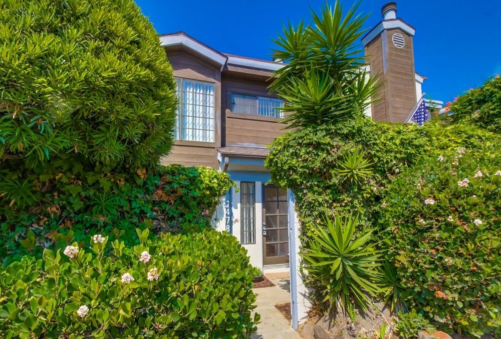Main Photo: PACIFIC BEACH Townhouse for sale : 3 bedrooms : 4782 Ingraham in San Diego