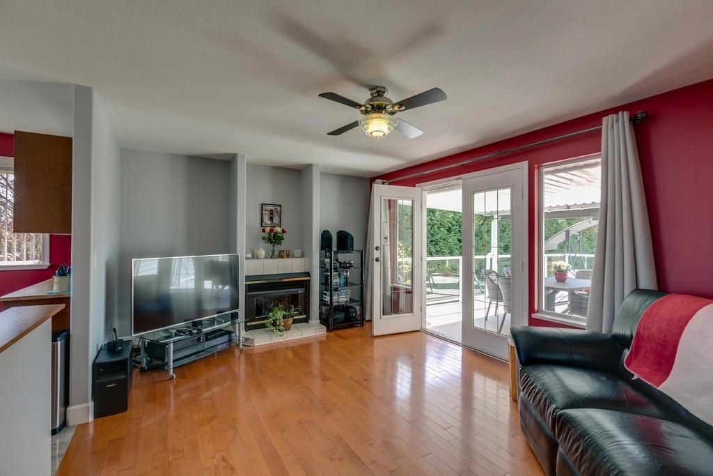 """Photo 14: Photos: 12403 188 Street in Pitt Meadows: West Meadows House for sale in """"HIGHLAND PARK AREA"""" : MLS®# R2261078"""
