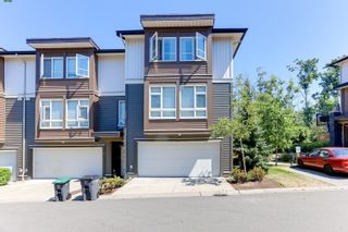 """Photo 2: 43 5888 144 Street in Surrey: Sullivan Station Townhouse for sale in """"ONE44"""" : MLS®# R2597936"""