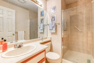 "Photo 13: 303 15035 THRIFT Avenue: White Rock Condo for sale in ""Grosvenor Court"" (South Surrey White Rock)  : MLS®# R2494043"