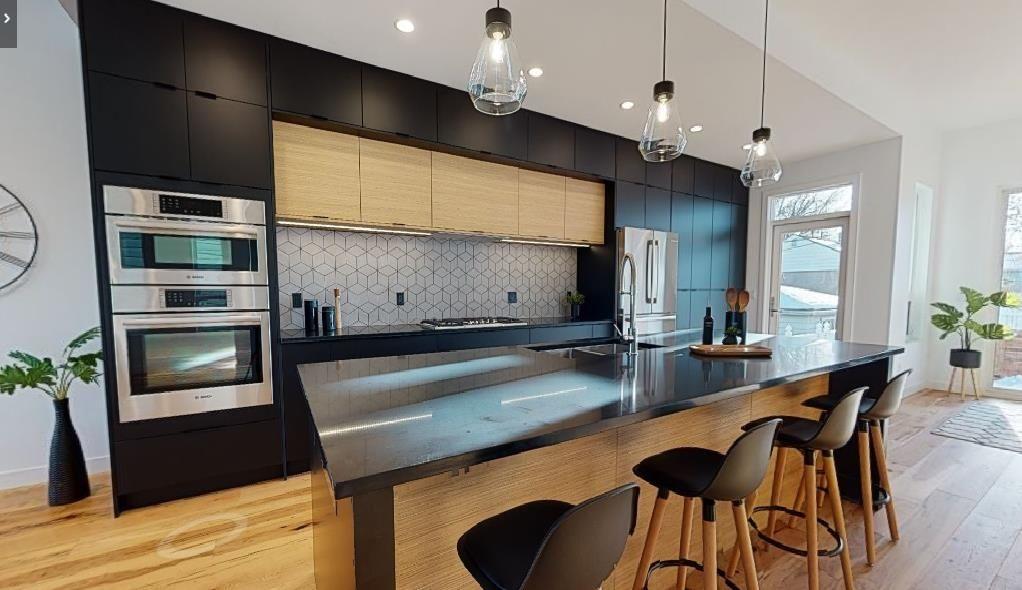 Main Photo: 7711 88 Avenue in Edmonton: Zone 18 House for sale : MLS®# E4262718