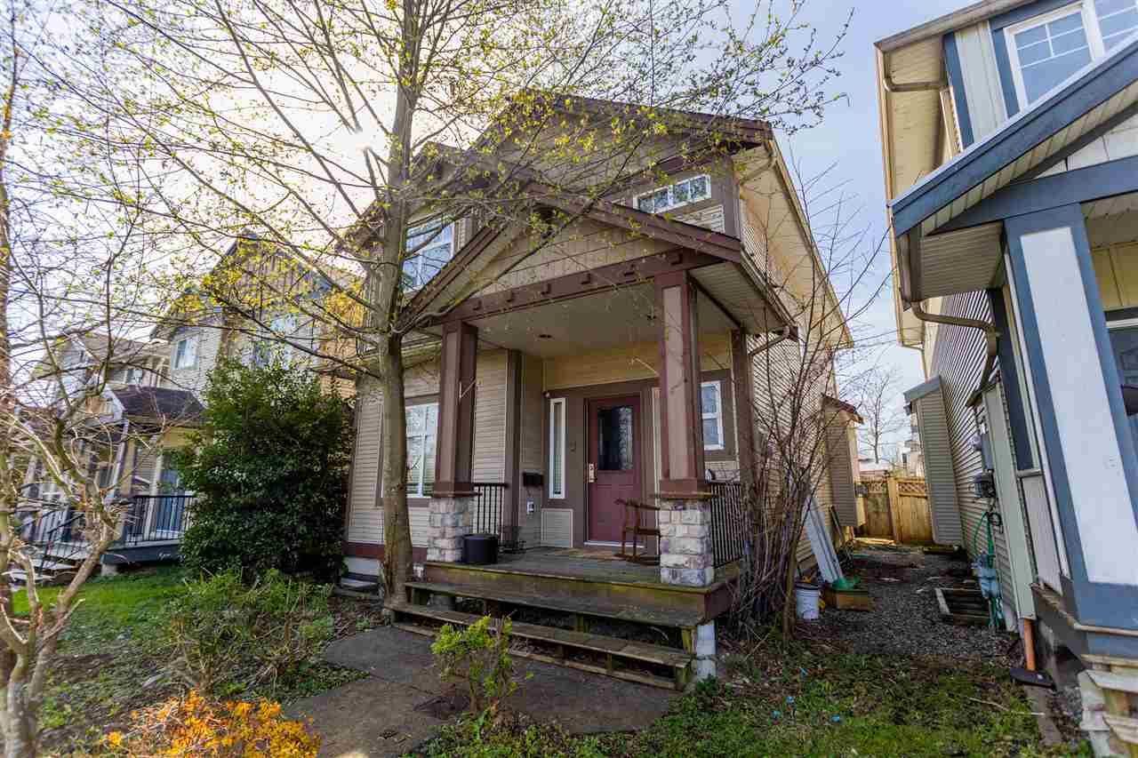 Main Photo: 15940 88 Avenue in Surrey: Fleetwood Tynehead House for sale : MLS®# R2561772