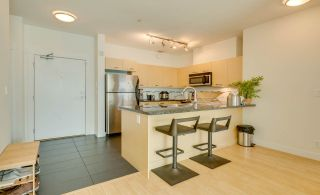 """Photo 4: 315 33538 MARSHALL Road in Abbotsford: Central Abbotsford Condo for sale in """"The Crossing"""" : MLS®# R2569081"""