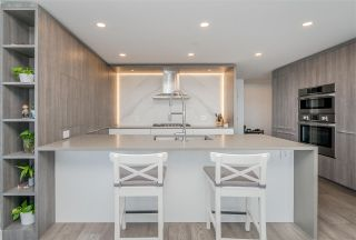 Photo 11: 608 15165 THRIFT Avenue in Surrey: White Rock Condo for sale (South Surrey White Rock)  : MLS®# R2558715