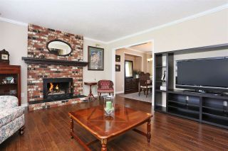 Photo 3: 5848 170A Street in Surrey: Cloverdale BC House for sale (Cloverdale)  : MLS®# R2092967