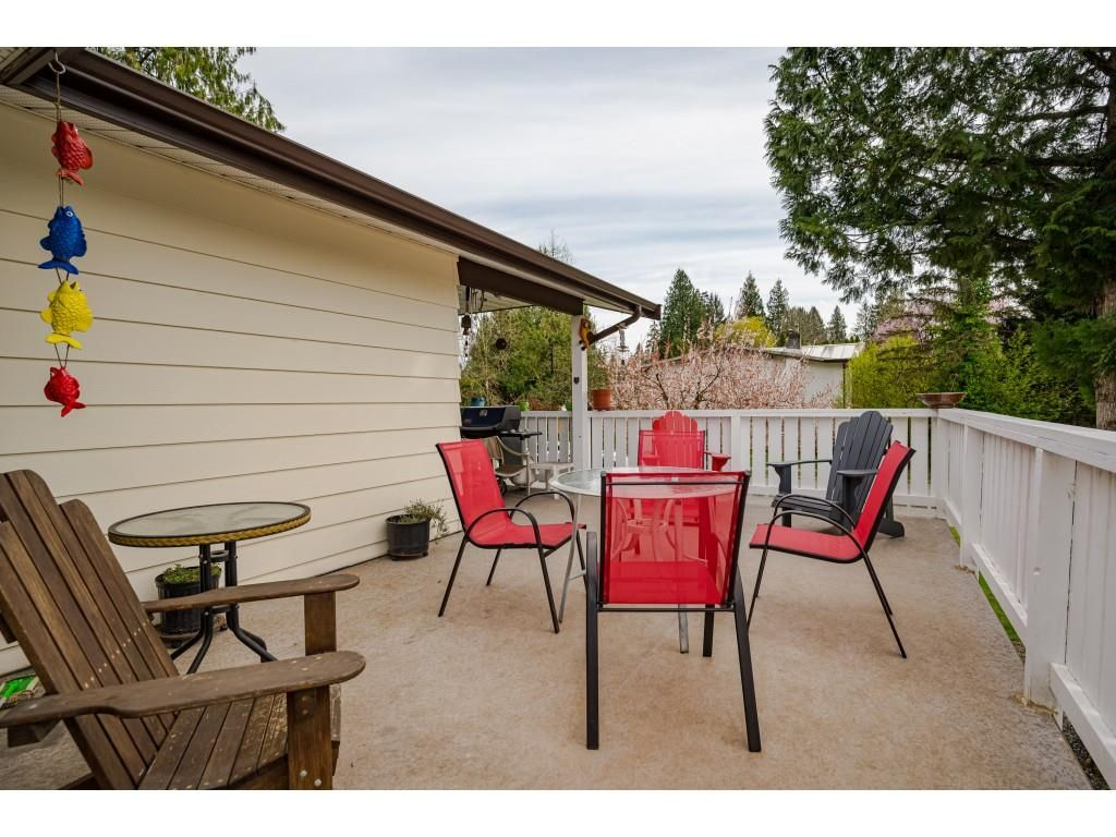 Photo 22: Photos: 20305 50 AVENUE in Langley: Langley City House for sale : MLS®# R2561802