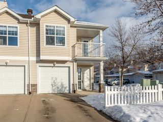 Photo 2: 78 2318 17 Street SE in Calgary: Inglewood Row/Townhouse for sale : MLS®# A1059020