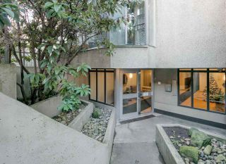 """Photo 2: PH4 1040 PACIFIC Street in Vancouver: West End VW Condo for sale in """"CHELSEA TERRACE"""" (Vancouver West)  : MLS®# R2226216"""
