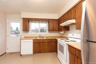 Photo 10: 1813 Rossiter Pl in VICTORIA: SE Lambrick Park House for sale (Saanich East)  : MLS®# 830624