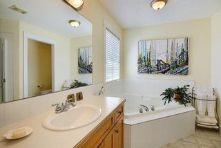 Photo 19: 45 Discovery Heights SW in Calgary: Discovery Ridge Row/Townhouse for sale : MLS®# A1109314