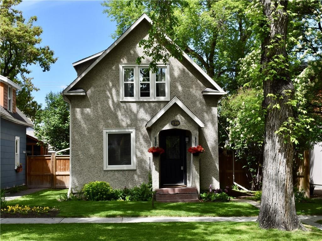 Main Photo: 120 11 Avenue NW in Calgary: Crescent Heights Detached for sale : MLS®# A1023468