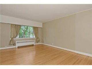 """Photo 2: 4 2110 W 47TH Avenue in Vancouver: Kerrisdale Condo for sale in """"BOULEVARD APARTMENTS"""" (Vancouver West)  : MLS®# V1025864"""