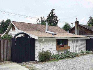 Photo 1: 5285 LITTLE Lane in Sechelt: Sechelt District House for sale (Sunshine Coast)  : MLS®# R2592580