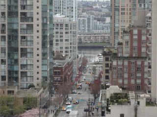 "Photo 9: 1202 1212 HOWE Street in Vancouver: Downtown VW Condo for sale in ""1212 HOWE"" (Vancouver West)  : MLS®# V941923"