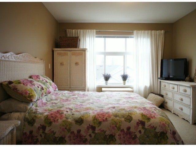 """Photo 6: Photos: 140 20449 66TH Avenue in Langley: Willoughby Heights Townhouse for sale in """"NATURES LANDING"""" : MLS®# F1300820"""