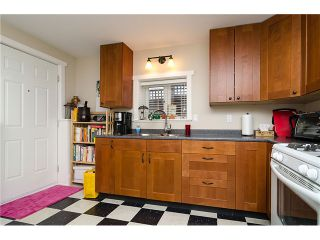 Photo 15: 218 BURR Street in New Westminster: Uptown NW House for sale : MLS®# V1044439