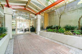 "Photo 2: 607 822 HOMER Street in Vancouver: Downtown VW Condo for sale in ""The Galileo"" (Vancouver West)  : MLS®# R2455369"