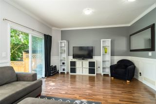 """Photo 2: 12 6588 188 Street in Surrey: Cloverdale BC Townhouse for sale in """"Hillcrest Place"""" (Cloverdale)  : MLS®# R2375051"""