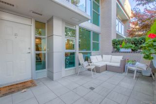 "Main Photo: TH5 188 E ESPLANADE Avenue in North Vancouver: Lower Lonsdale Townhouse for sale in ""The Esplanade"" : MLS®# R2566682"