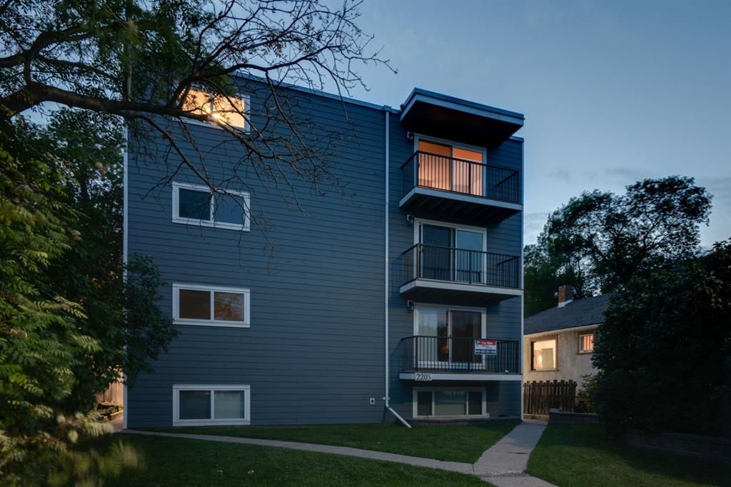 Main Photo: 401 2203 14 Street SW in Calgary: Bankview Apartment for sale : MLS®# A1138034