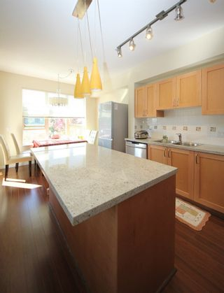 """Photo 3: 225 3105 DAYANEE SPRINGS BL Boulevard in Coquitlam: Westwood Plateau Townhouse for sale in """"WHITETAIL LANE AT DAYANEE SPRINGS"""" : MLS®# R2138549"""