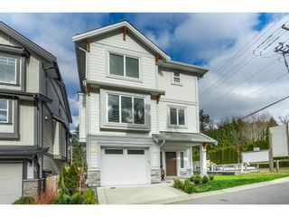 """Photo 3: 20 4295 OLD CLAYBURN Road in Abbotsford: Abbotsford East House for sale in """"SUNSPRING ESTATES"""" : MLS®# R2533947"""
