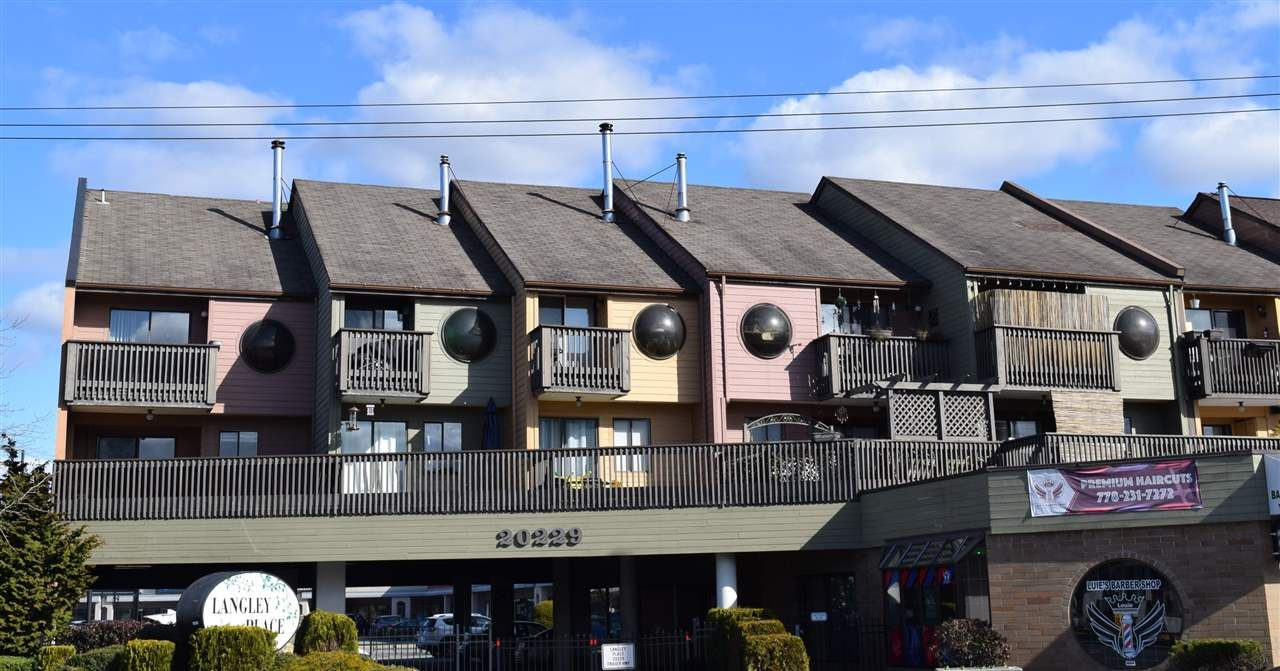 """Main Photo: 3 20229 FRASER Highway in Langley: Langley City Condo for sale in """"Langley Place"""" : MLS®# R2542245"""