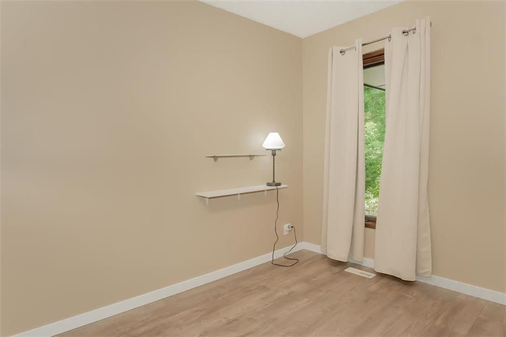 Photo 15: Photos: 31 Lamirande Place in Winnipeg: Richmond Lakes Residential for sale (1Q)  : MLS®# 202119515