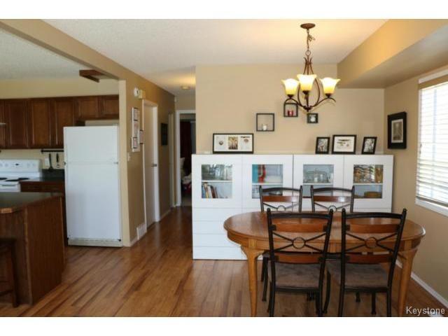 Photo 4: Photos: 10 Bellemer Drive in WINNIPEG: Fort Garry / Whyte Ridge / St Norbert Residential for sale (South Winnipeg)  : MLS®# 1513193