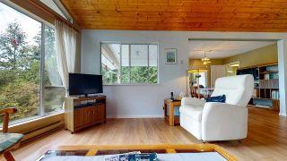 "Photo 10: 5549 SANS SOUCI Road in Halfmoon Bay: Halfmn Bay Secret Cv Redroofs House for sale in ""Secret Cove"" (Sunshine Coast)  : MLS®# R2584083"