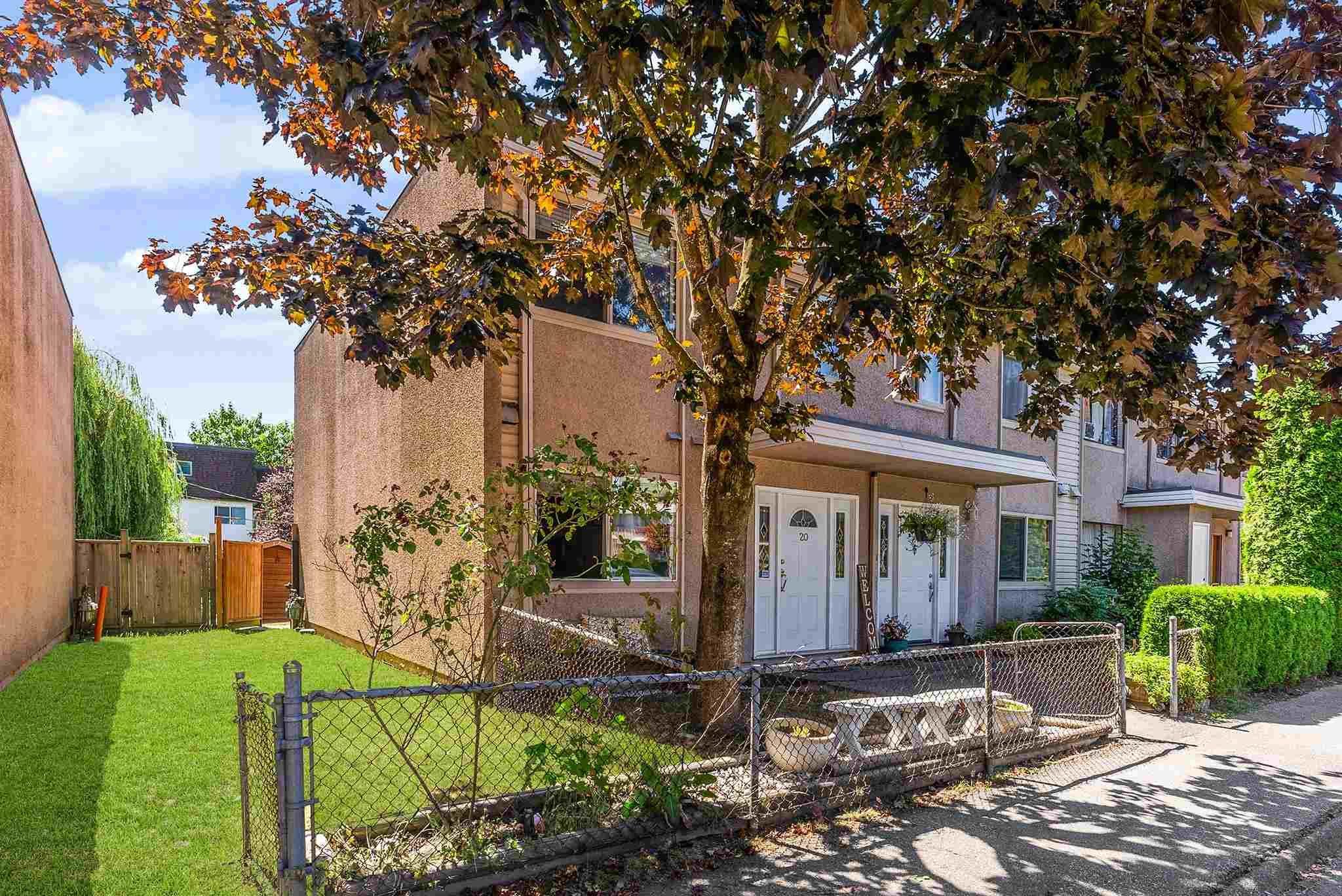 "Main Photo: 20 27090 32 Avenue in Langley: Aldergrove Langley Townhouse for sale in ""Alderwood Manor"" : MLS®# R2604693"
